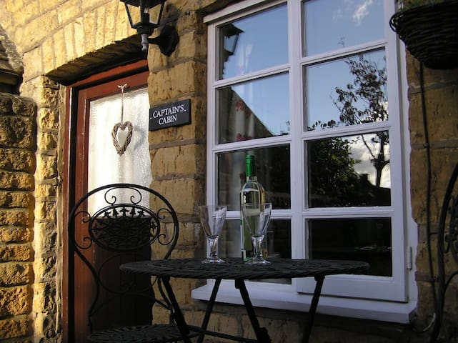 Enchanting cottage with log burner , town centre - Bourton-on-the-Water - Casa