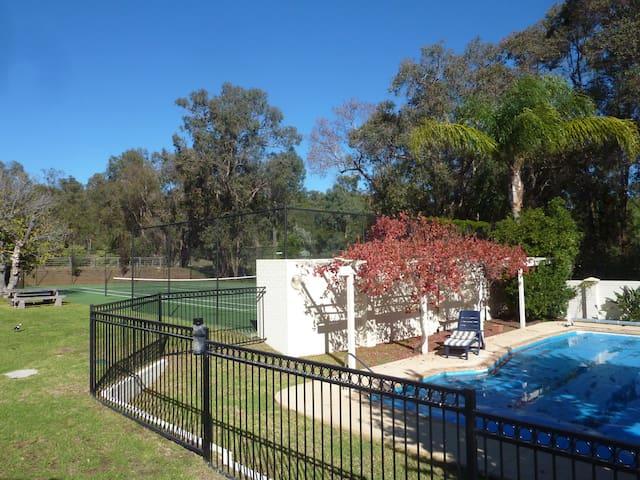 Cockatoo Hills Apartment - Parkerville, Perth Hills - Lägenhet