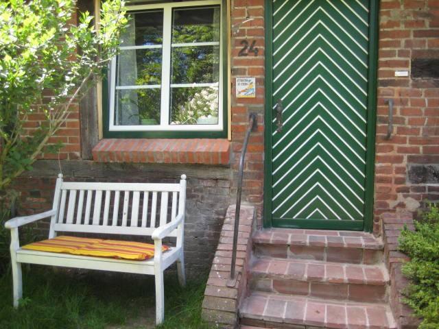 Kleine charmante Ferienwohnung auf dem Künstlerhof - Goosefeld - Lägenhet