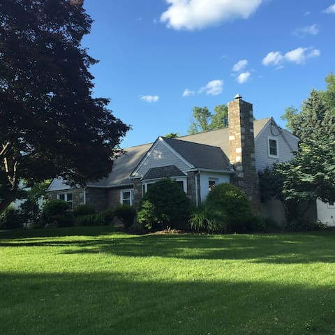 Cozy house share in the suburbs. - Huntingdon Valley