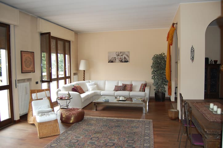 Great for both work or tourism! - Cantù - Departamento