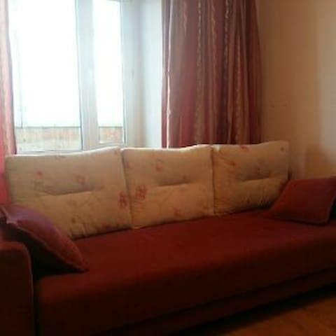 Квартира посуточно, чисто, уютно, не дорого, центр - Kirov - Appartement