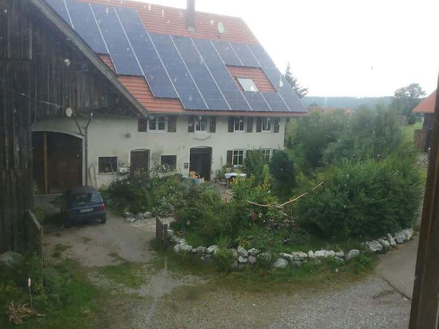 In idyllischer scheune übernachten - Aichstetten - Hus