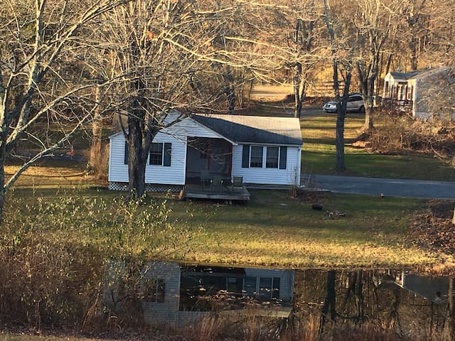Cozy Country Cottage - East Stroudsburg - Cabane