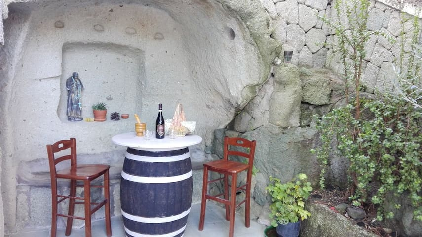 casa in pietra verde ischitana - Forio - Rumah Bumi