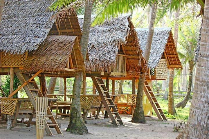 Lola Sayong Eco-Surf Camp - Buenavista, Gubat - PH - Chatka
