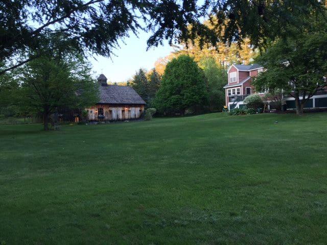 Charming Hopkinton: Peaceful retreat w/ breakfast - Hopkinton - Huis