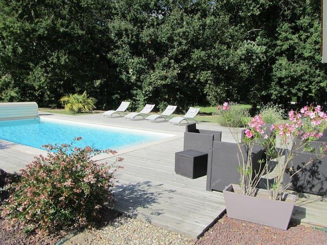 Maison avec piscine proche Bordeaux - Saint-Sulpice-et-Cameyrac - House