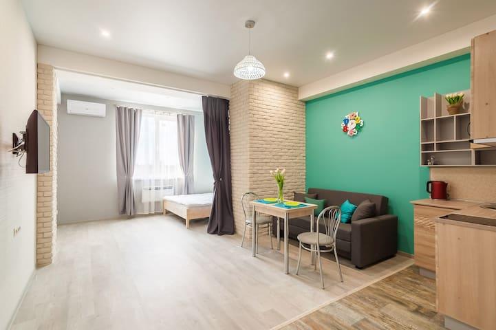 Стильная и уютная квартира в центре Адлера. - Bolshoy Sochi