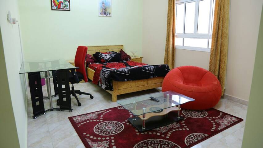 Private bedroom with bathroom ,, - Al Khoud Old - Hus