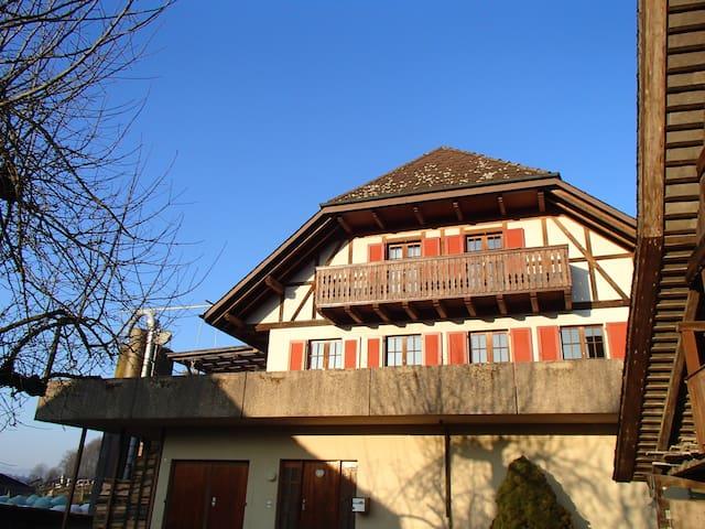 Casa viajeros - Riedtwil - Huis