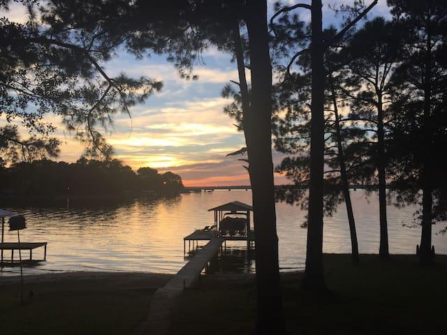 Cozy Cedar Creek Lake House - Eustace - Kabin