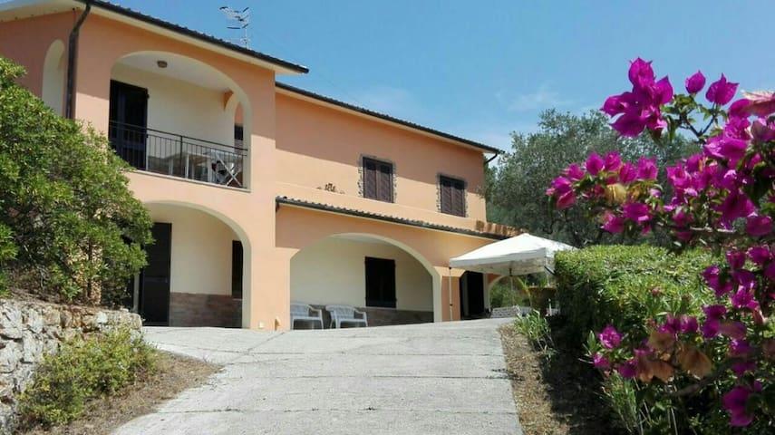 Villa with breathtaking view - Magazzini - Villa