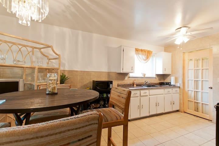 Elegant Golden room! - Détroit - Appartement