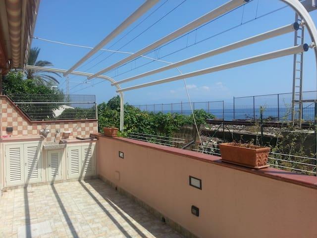 APPARTAMENTO FRONTE MARE CARMEN - Itala Marina - Apartamento
