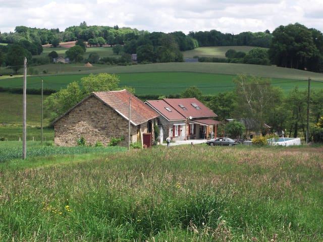 fermette en corrèze - Meilhards - Rumah