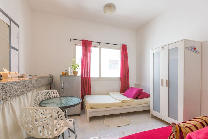 Neat Room in the City - Dubai - Departamento