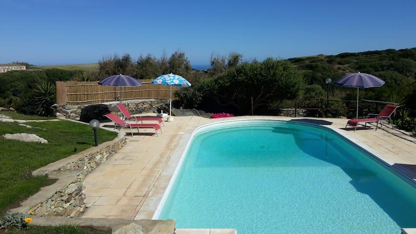 La Chintana B, villa con piscina - Sassari