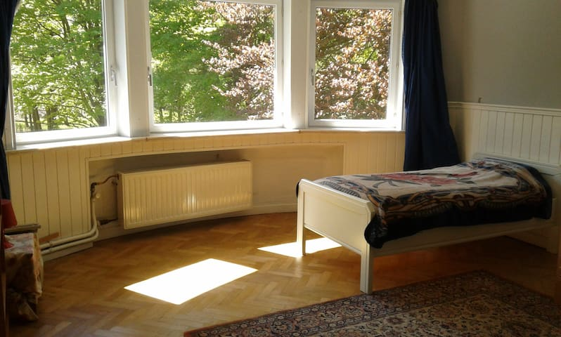 Room (4-5p.) near Tomorrowland - Ruisbroek - Bed & Breakfast