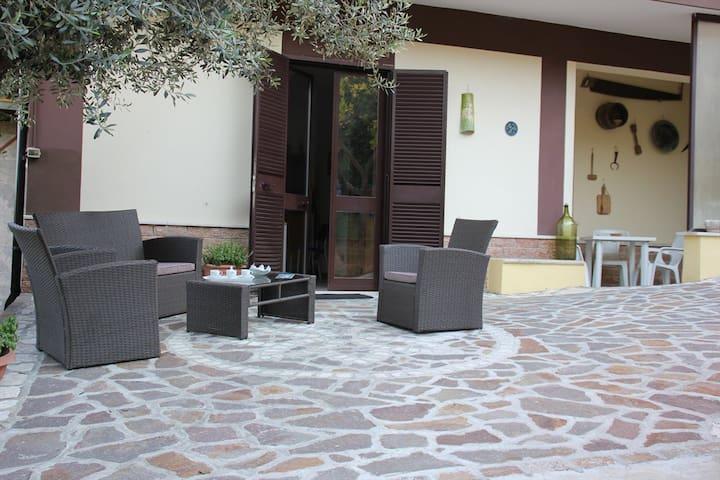 Confortevole Casa con giardino - Roccasecca - Huis