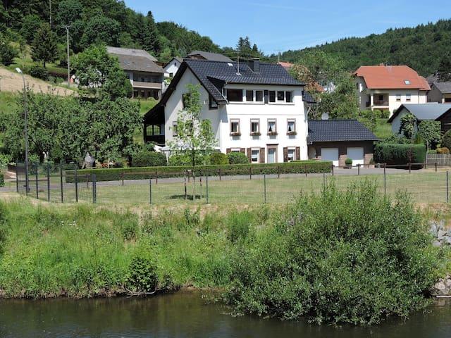 """Ferienwohnung """"An der Kyll"""" - Sankt Thomas - Lägenhet"""
