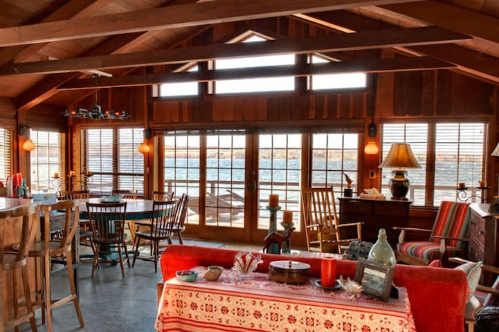 Boathouse at 5 Mile Point - Skaneateles - Huis