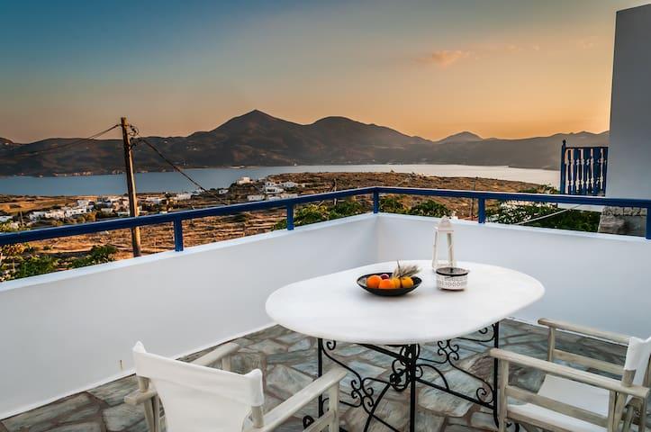 Nearchos House - Τρυπητή - Casa