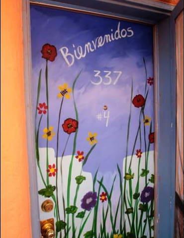 Quaint & Sunny 1 Bedroom Apartment - Historic Area - Las Cruces - Apartmen