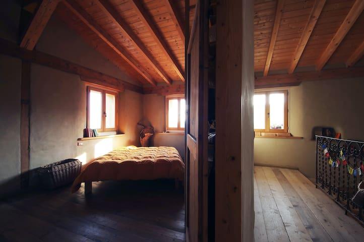 CASA DI PAGLIA ai piedi del Castello di Canossa - Canossa - Apartemen