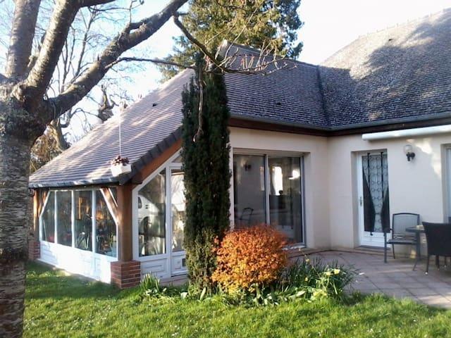 Agréable maison proche du centre ville - L'Aigle - Ev