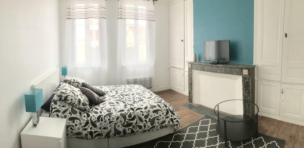 STUDIO avec PARKING - Troyes - Apartmen