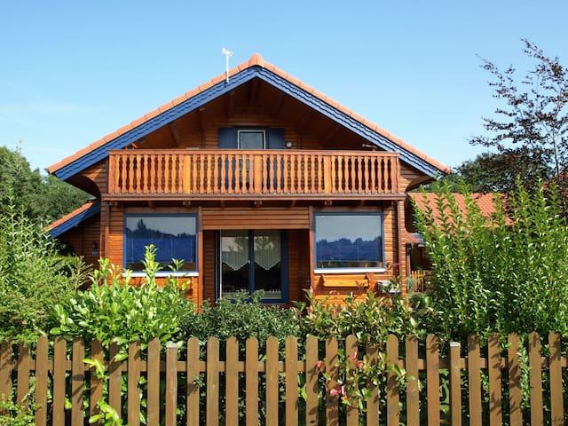 Ferienhaus Kleiner Seeräuber - Urlaub im Seepark - Walchum - Hus