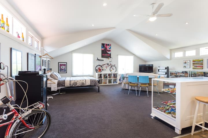 Loft apartment in Burwood - walk to Deakin Uni - Burwood - Loft