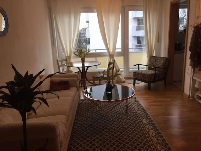 apartment with perfect subway connec., center 7min - Munich