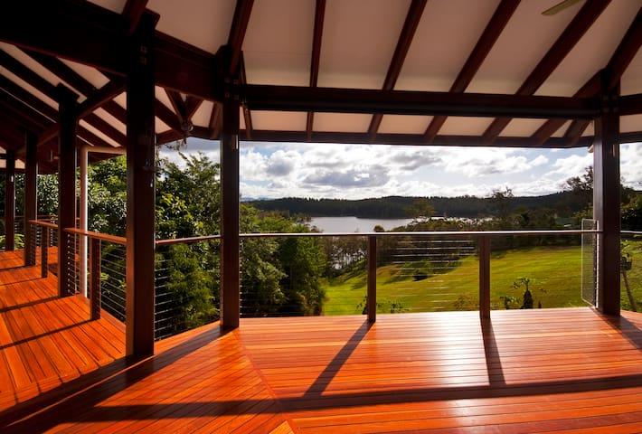 Tinaroo Lake House, Atherton Tablelands via Cairns - Barrine - Casa