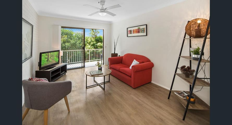 Bright Apartment for Solo Traveler - Labrador - Appartement
