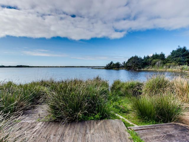 Cape Meares Lake and Ocean Retreat - Cape Meares - Otros