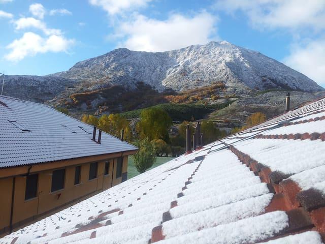Apartamento en Puebla de Lillo - Valdehuesa - Appartamento