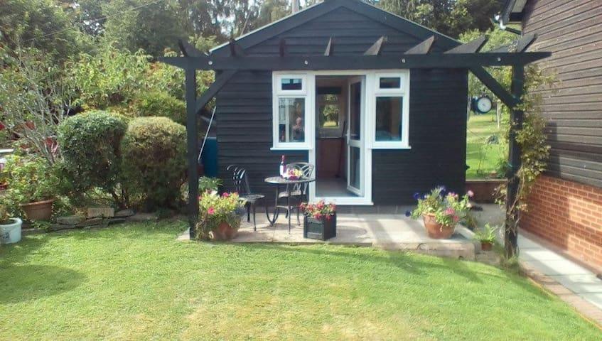 Cosy Cabin - Staunton on Wye, Herefordshire - Stuga