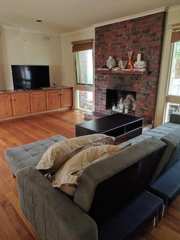 Spacious Relaxing House In Doncaster Ready For You - Doncaster - Rumah