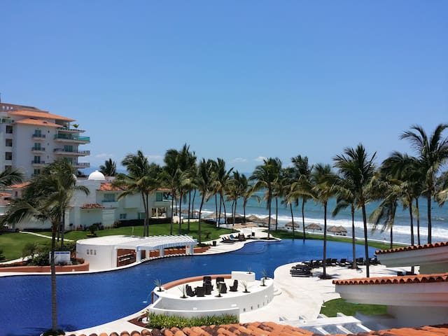Beachfront Luxury House in condo, Nvo Vallarta - Nuevo Vallarta - Casa