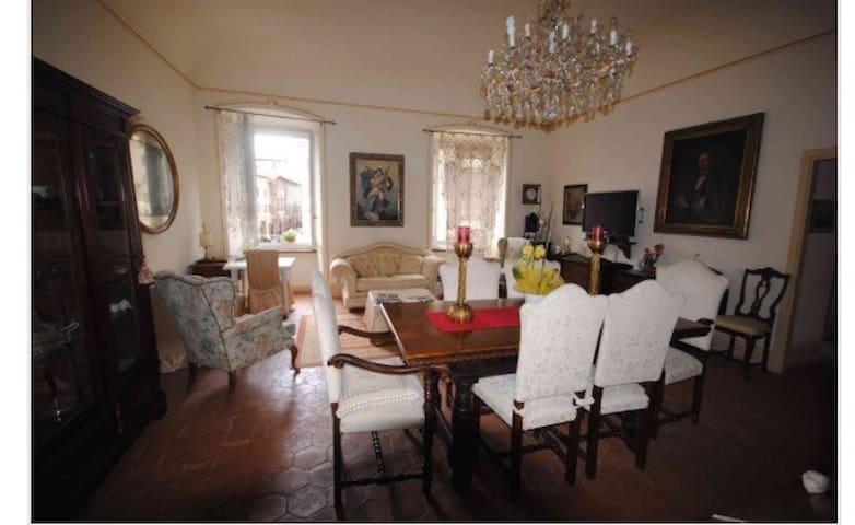 Spoleto app centro storico alto - Spoleto - Apartamento