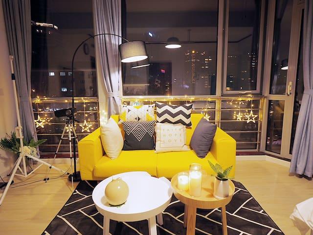 大使馆区国际公寓,360度全景落地窗,超棒夜景,浴缸、巨幕投影仪、空气净化器、干衣机、蓝牙音箱 - Pechino - Appartamento