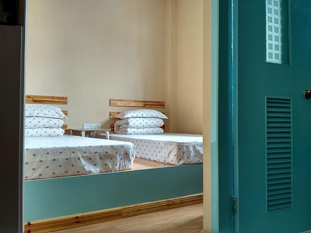 Japanese tatami standard double room(日式榻榻米标间) - Huangshan