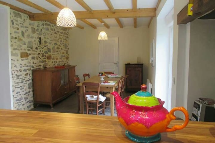 """Location campagne nature """"Maison pocq"""" - Salles-Mongiscard - Huis"""