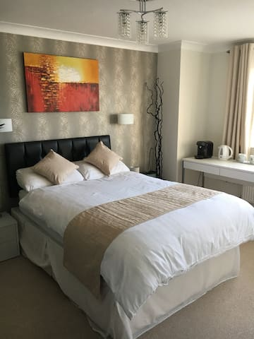 Beautiful House. Double room, en-suite, Free Wifi - Newhaven