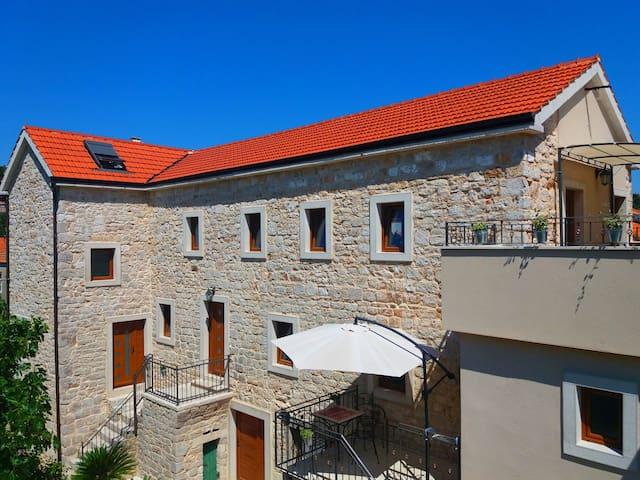 Dalmatian stone house Jelsa-Hvar A1 - Jelsa