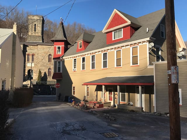 High Street Guesthouse, Apartment E in historic JT - Jim Thorpe