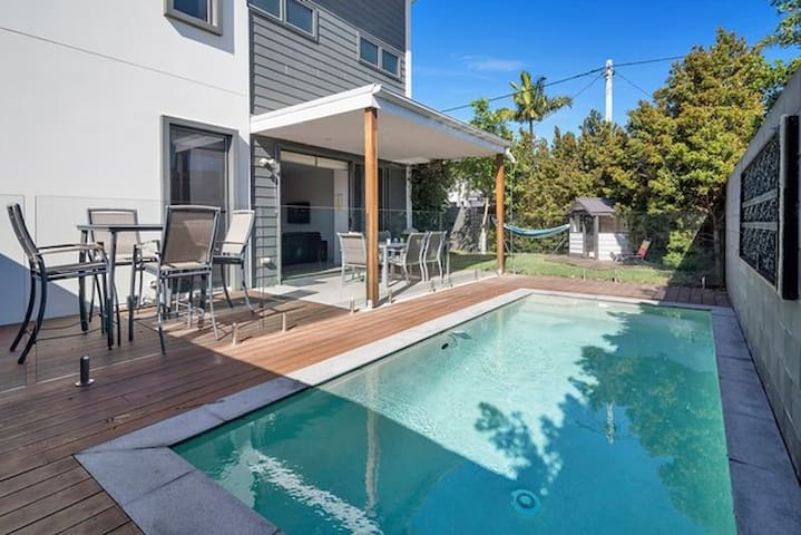 A Little Abode in Paradise - Southport - Bed & Breakfast