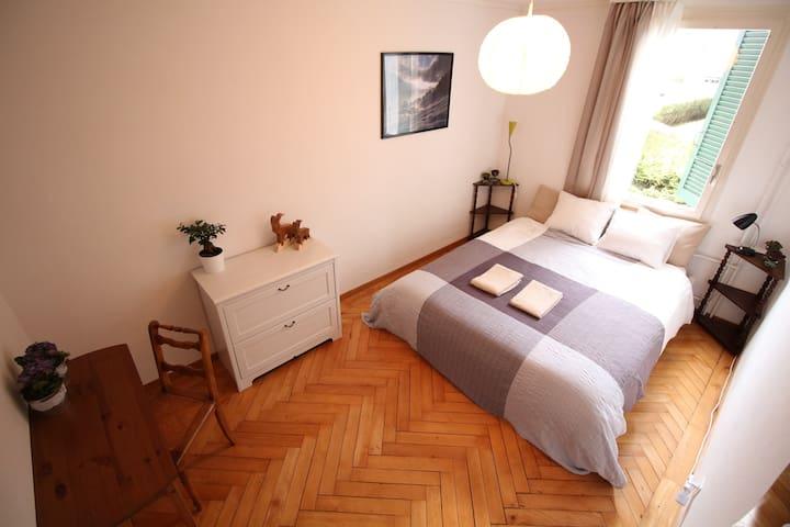 Perfectly located quiet room in Interlaken - Interlaken
